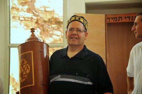Relocating Torah Scrolls 2012  - DSC_1605.JPG