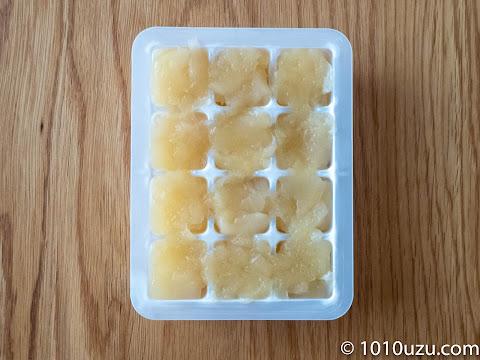 りんごのコンポートを小分けして冷凍