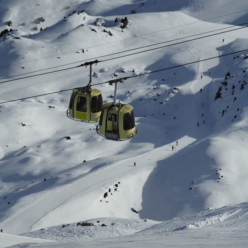 Meribel_50 Tougnete Gondola.jpg
