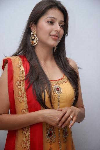 Bhumika Chawla Photos