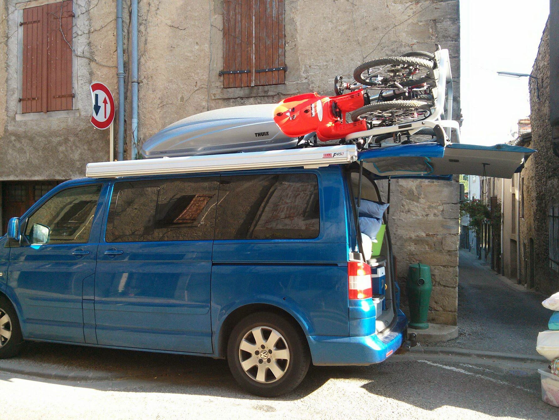 Vw T5 Caravelle 2004 Olympic Blue With Lots Of Camping