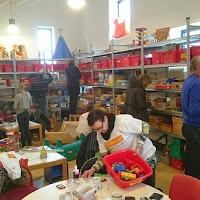 21-3-2015 Do-event 3 van de Groeigroep in de Donkerstraat. Meehelpen in de Speel O Theek