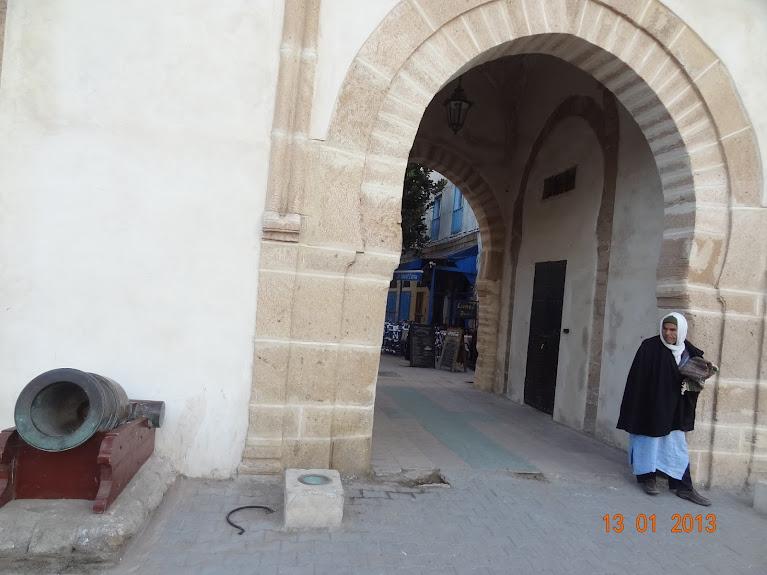 Marrocos e Mauritãnia a Queimar Pneu e Gasolina - Página 3 DSC05580