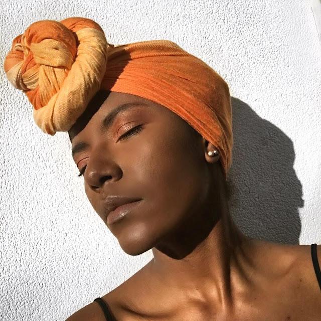 pele negra maquiagem natural