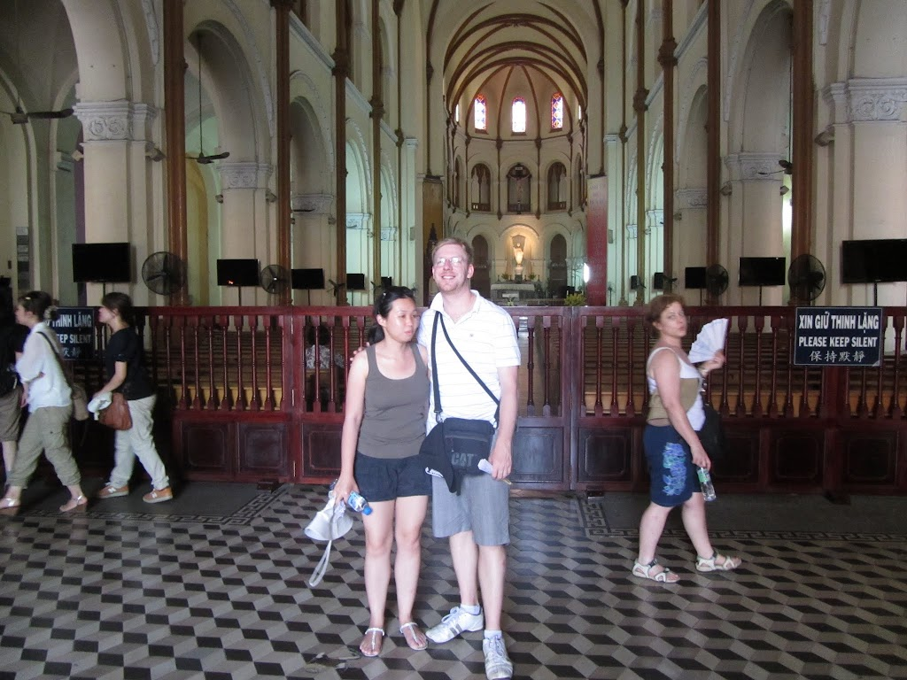 0002Notre_Dame_Cathedral_-_Saigon