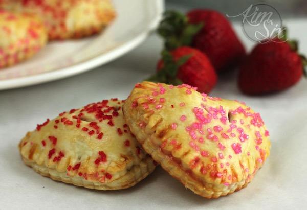 Easy strawberry mini pies