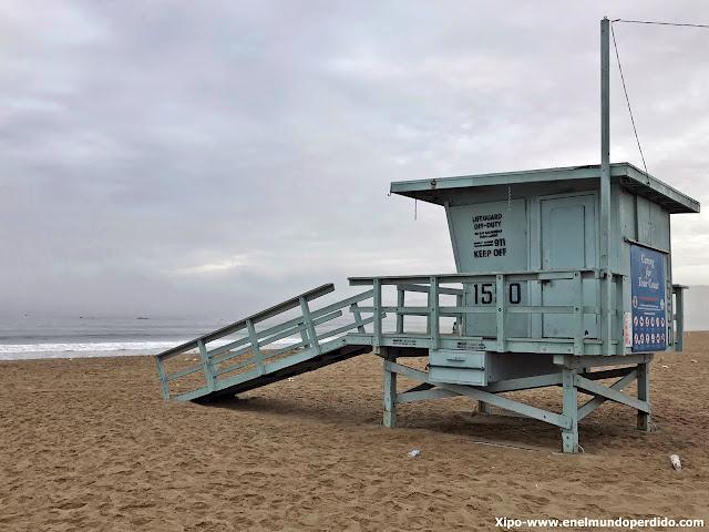 caseta-vigilantes-playa-california.JPG