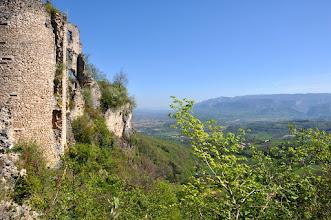 Photo: Au pied du château de Rochechinard