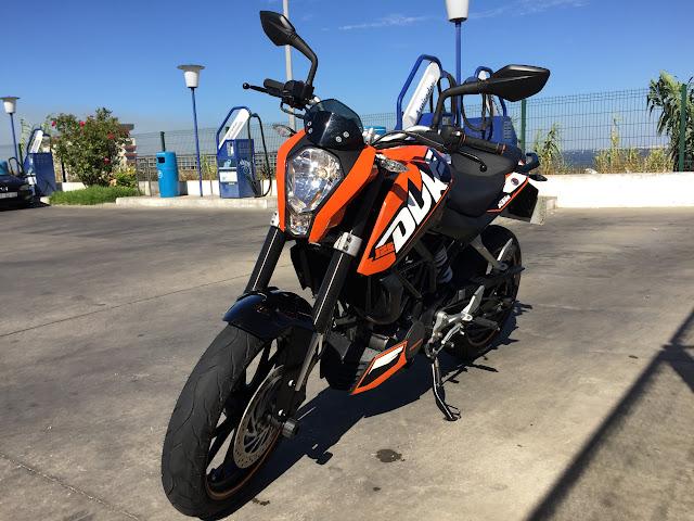 KTM DUKE 125 - Raphha IMG_0509