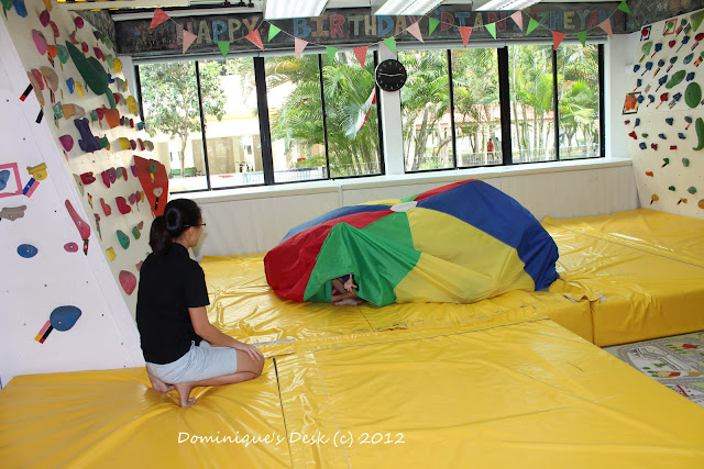 Hiding in the parachute