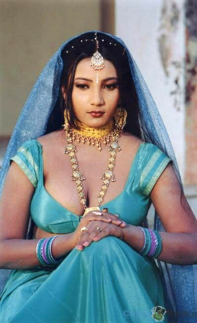Big Boobs Show Of Indian Girls - Bollywood Actress Image Gallery-2705