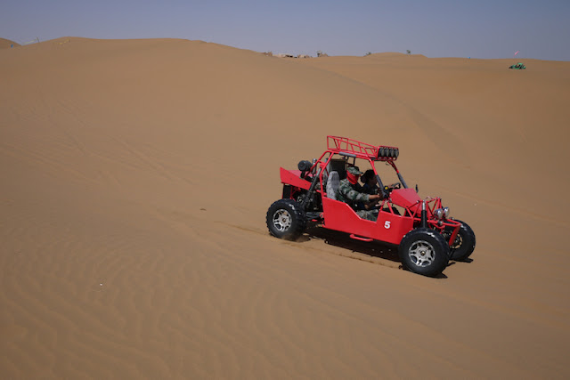 dune buggy at Shapotou in Ningxia