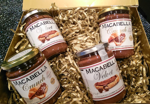 Macabella, chocolate spread, macadamia