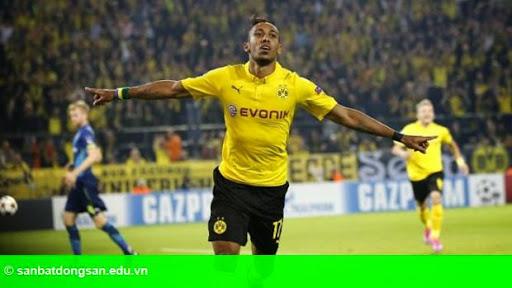 Hình 1: Vuột Depay, Liverpool nhắm hàng Dortmund