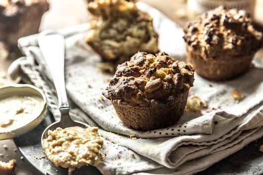 Muffins med peanuts , bananer og peanutbutter - Mikkel Bækgaards Madblog.jpg