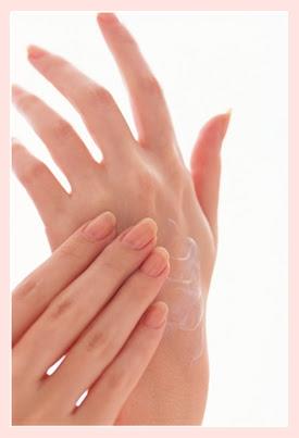 ผลิตภัณฑ์สมุนไพรบำรุงมือและเท้า เพื่อฝ่ามือ และ เท้าที่นุ่มนวล ลดริ้วรอย ไม่แข็งกระด้าง