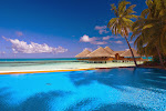 Medhufushi pool and bar.jpg