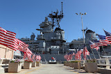 Patriotic? Nooooooo! Trail to the USS Missouri (© 2010 Bernd Neeser)