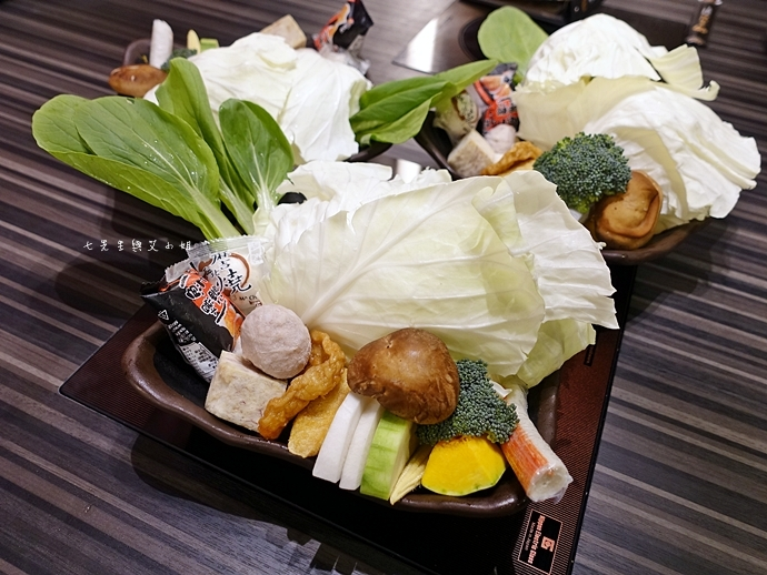 22 丰明殿 信義殿 超大肉盤 涮涮鍋 痛風海鮮盤