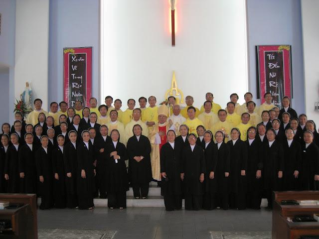 Thánh lễ tạ ơn và tất niên cuối năm Giáp Ngọ tại Hội Dòng Mến Thánh Giá Nha Trang.