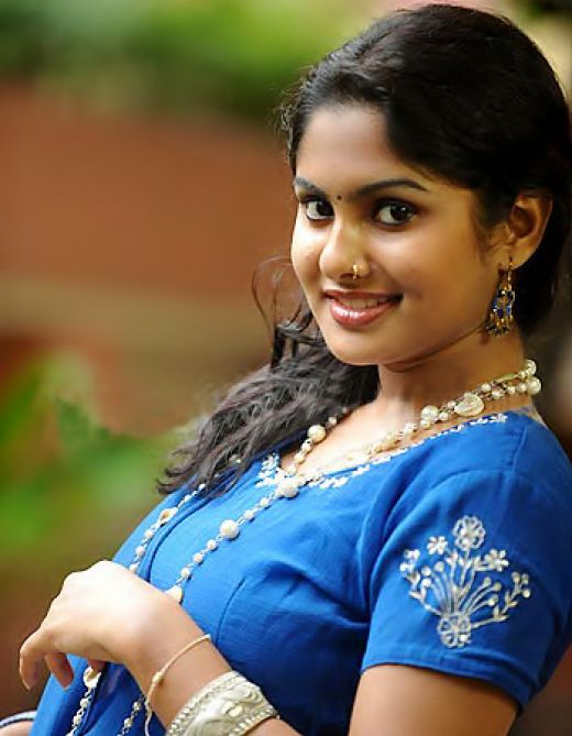 Desi Hot Mallu Masala Aunty In Black Blouse | HOT SEXY ...  Desi Hot Mallu ...