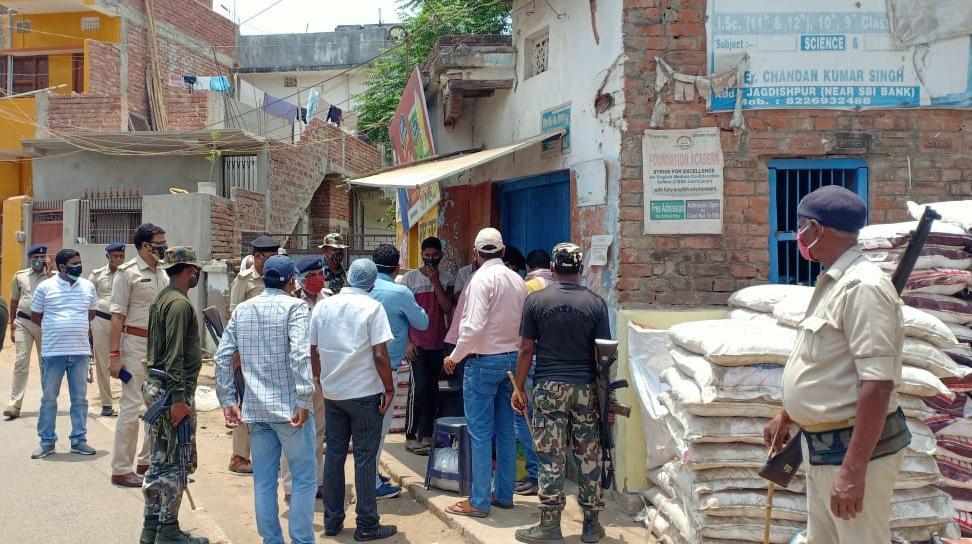 कार्रवाई: लॉकडाउन उल्लंघन पर 18 दुकानों को किया सील, मची खलबली