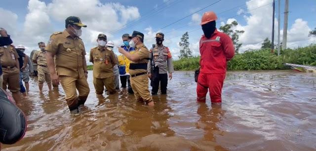 Cek Kondisi Banjir, Gubernur, Wagub dan Balai Jalan Cek Kondisi Bukit Rawi