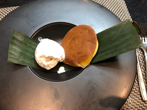 Doriyaki or mini pancake with ice cream