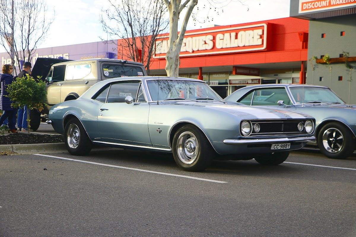 Pontiac Firebird (01).jpg