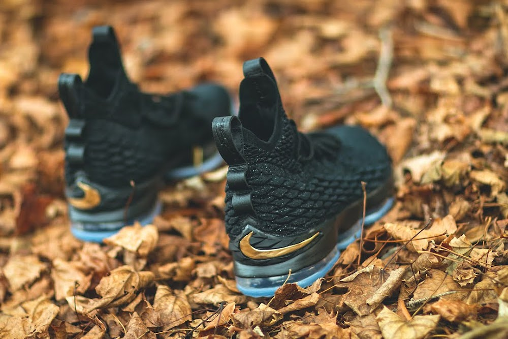 5a1dcabe921 ... Release Reminder Nike LeBron 15 Stardust with New Pics ...