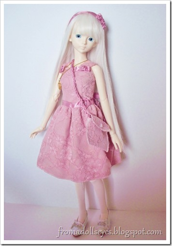 Pink lace dress for a bjd with accessories.  A complete outfit!