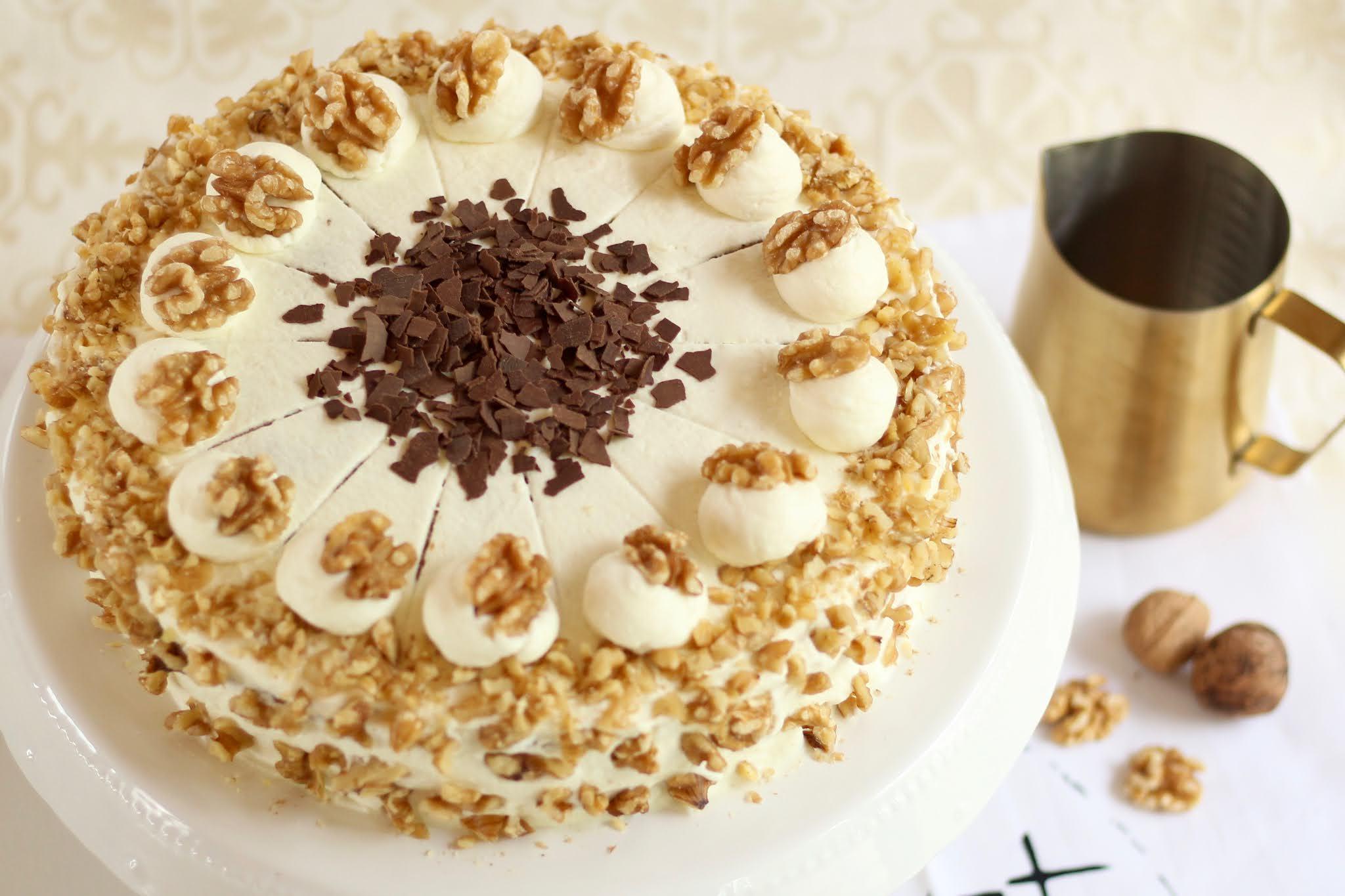 Herbstliche Walnuss-Birnen-Torte mit Preiselbeeren | Rezept und Video von Sugarprincess