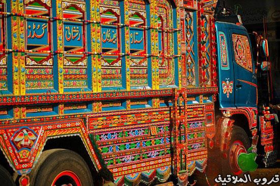 شاحنات باكستانية مزخرفة 6.jpg
