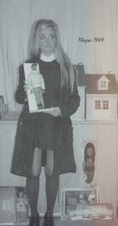Blanco y negro con juguete Geyperman y otros de la época