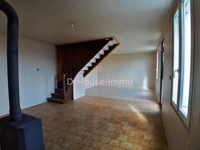 Vente maison 4 pièces 100 m² à Bressuire (79300), 50 000 €