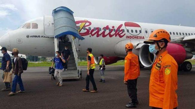 Pesawat Batik Air Mendarat Darurat di Bandara Kualanamu, Penyebabnya Masih Ditelusuri