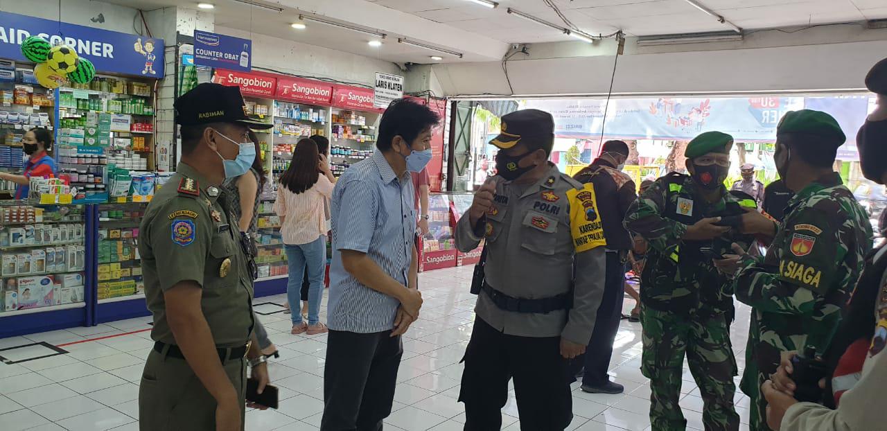 Tim Gabungan Kepolisian, TNI dan Satpol PP Lakukan Operasi Yustisi Prokes dan Pemantauan Kegiatan PPKM