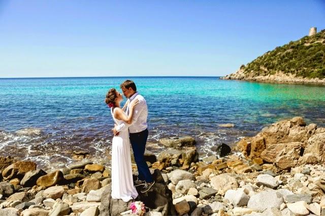 Matrimonio Spiaggia Sardegna : Matrimonio in spiaggia a villasimius sardegna sara
