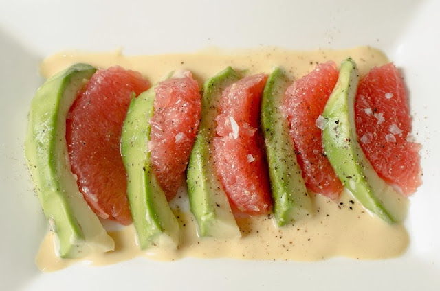 Salata de avocado cu grepfrut
