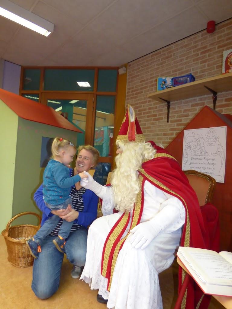 De Sint op bezoek! - P1050014.JPG