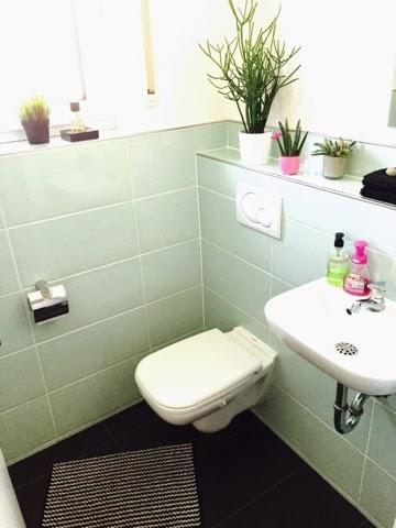 mini wc mit g ste berraschung liz 39 s casa. Black Bedroom Furniture Sets. Home Design Ideas