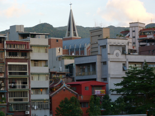 TAIWAN .TAIPEI.Ankeng puis Taipei SIJHIHLe typhon est la, je ne vais donc pas trop loin - P1080973.JPG