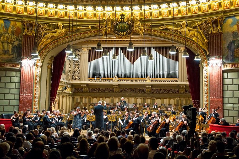 Principele Leka al II-lea al Albaniei a participat la concertul Orchestrei simfonice și Corului Filarmonicii George Enescu