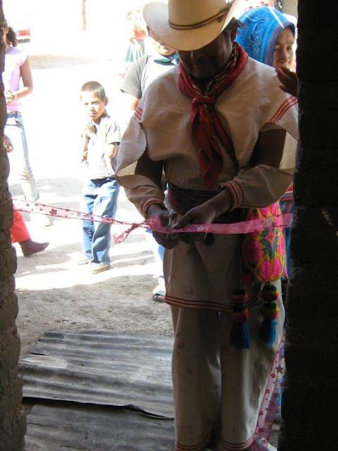 Fundacion Clinica de Medicina Indigena DIC.09 - 149764_158657174169322_100000751222696_251317_2314959_n%255B1%255D.jpg