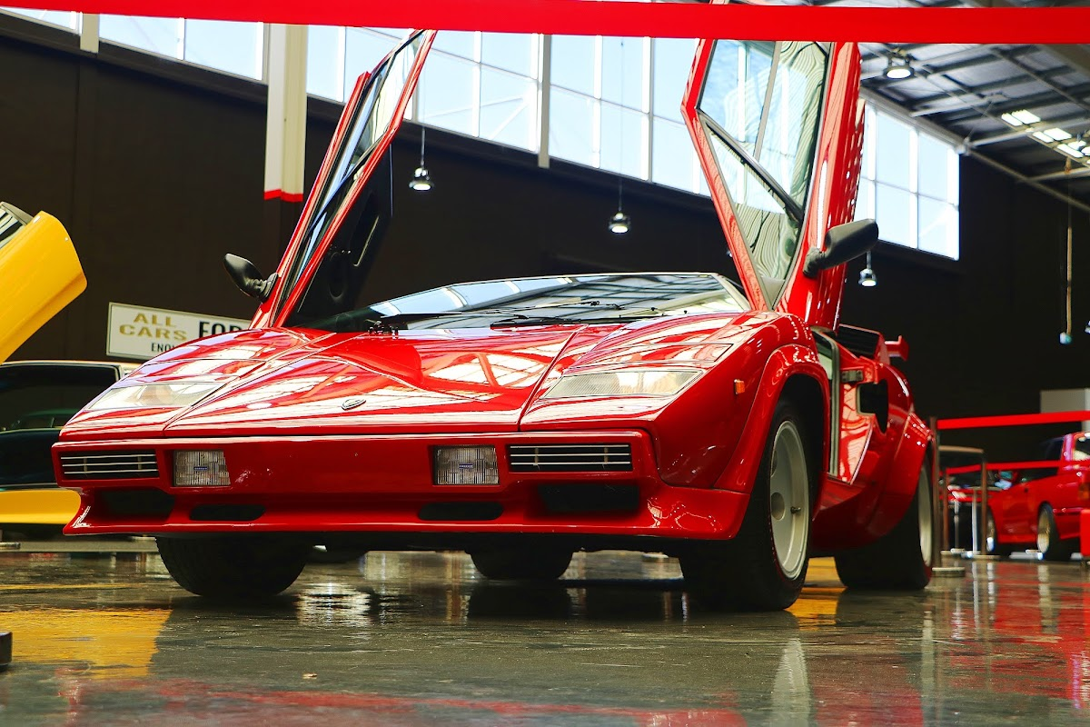 Lamborghini Countach (06).jpg