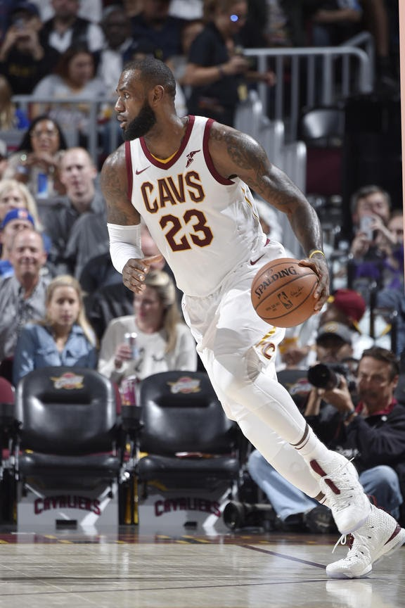 ec750142a27 ... LBJ Debuts First LeBron 15 Home PE in Loss vs Magic ...