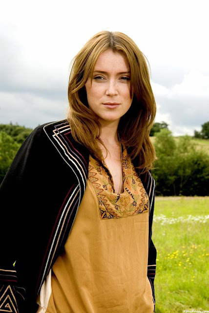 Keeley Hawes Profile pictures, Dp Images, Display pics collection for whatsapp, Facebook, Instagram, Pinterest.