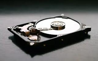 أنواع وسائط التخزين الرئيسية للحاسوب