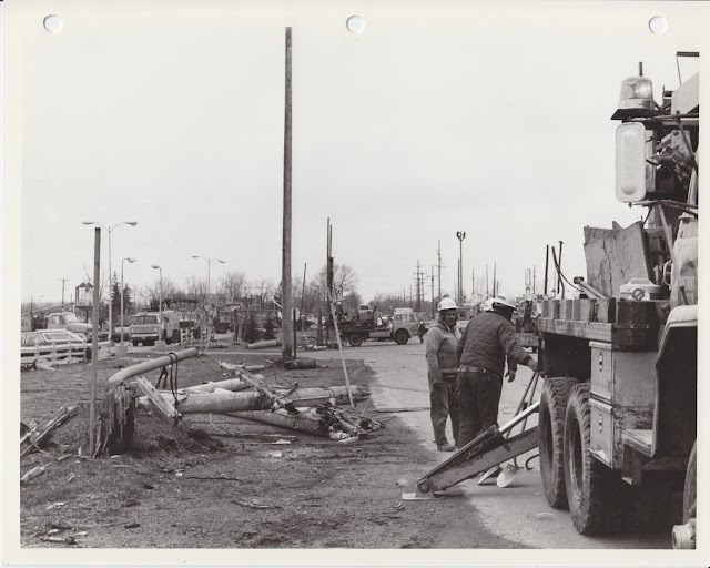 1976 Tornado photos collection - 41.tif