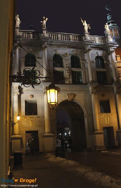gdańsk nocą - złota brama